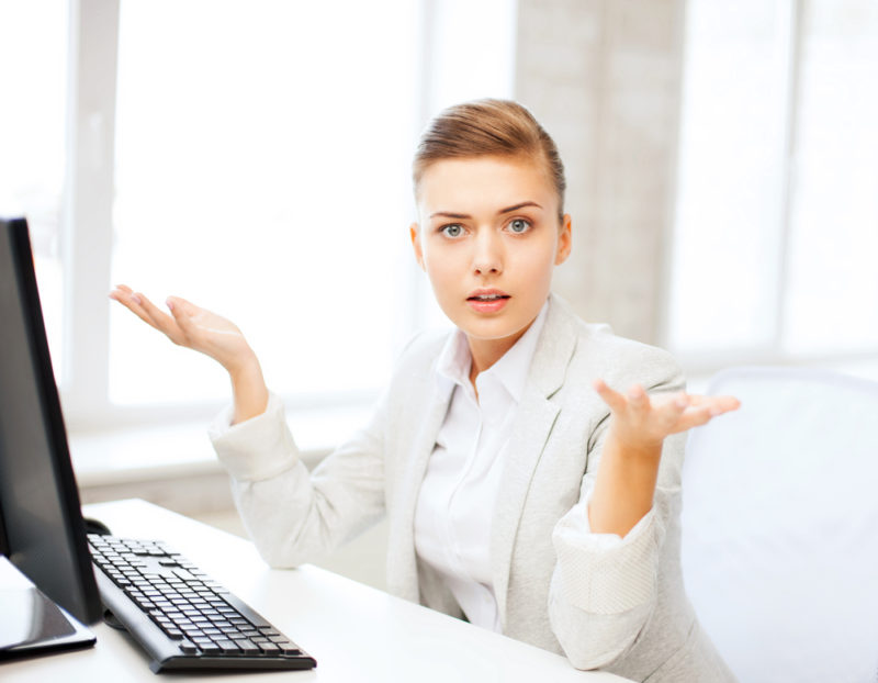 which cloud accounting software should i use - lady confused at computer